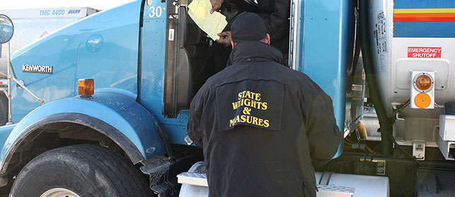 Fmcsa adjusts truck violation fines canadian trucking for Motor carrier safety administration