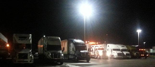truckstop-night